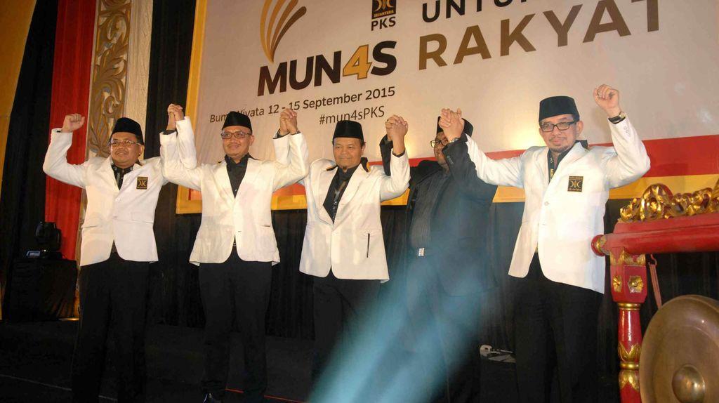 PKS: Kalau Mau Bubar, KMP Harus Deklarasi