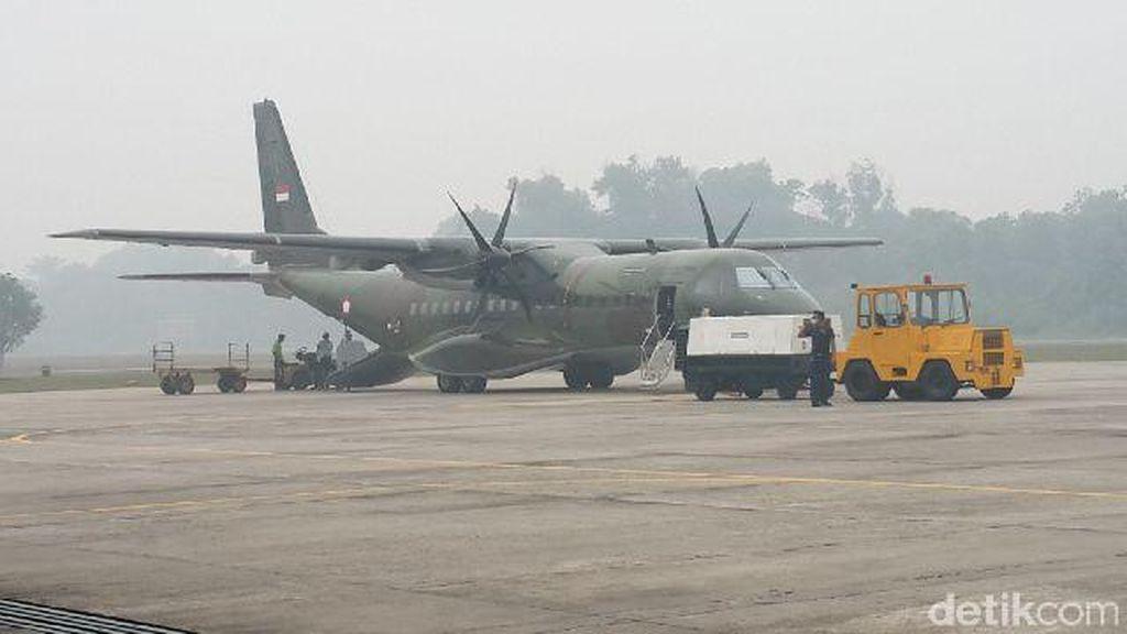 Kebakaran Lahan Masih Terjadi di Sumsel, Pesawat Cassa Dikirim dari Riau