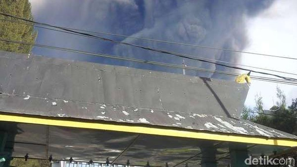 Begini Penampakan Erupsi Gunung Sinabung Pagi ini