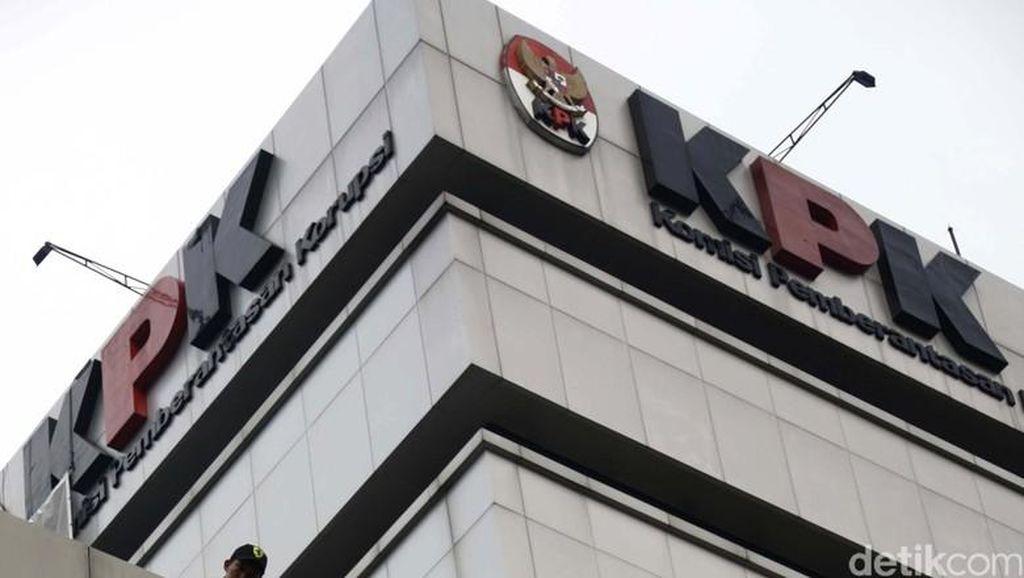 KPK Tahan Eks Anggota DPRD Riau Penerima Suap Anas Maamun