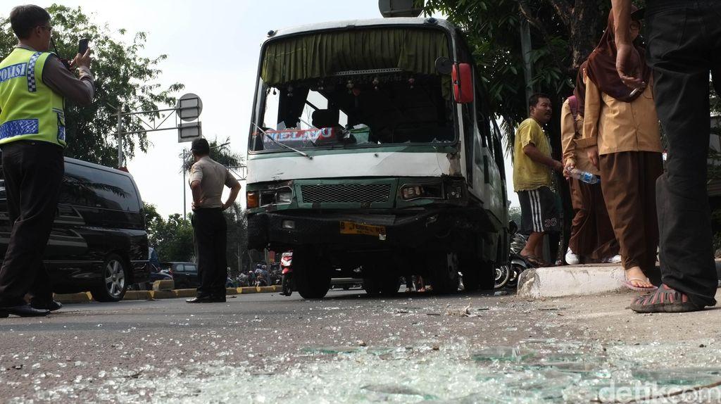 Sopir Kopaja yang Tabrak Penyeberang Jalan di Warung Buncit Sempat Kabur