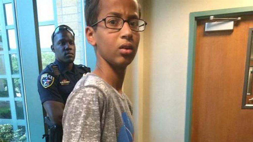 Ahmed Ditangkap Atas Dugaan Merakit Bom, Obama Angkat Bicara