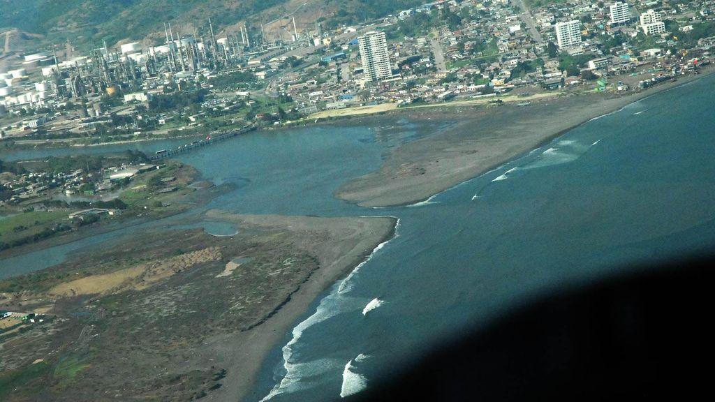 Begini Penampakan Dahsyatnya Tsunami 3 Meter di Chile dari Udara
