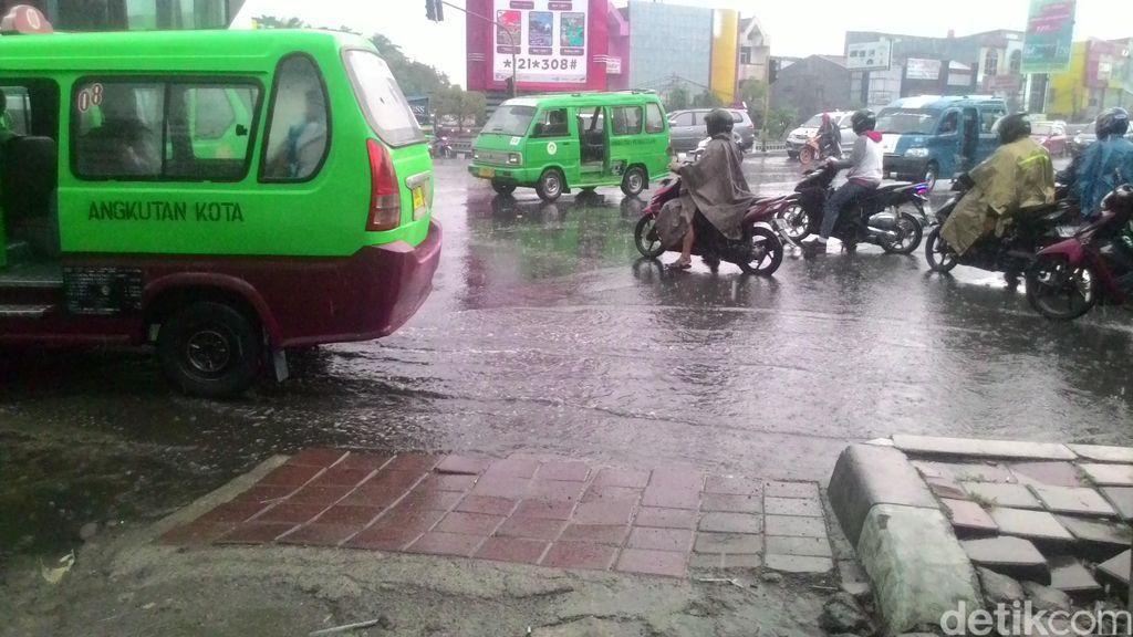 Buat Warga di Depok dan Jakarta yang Sumurnya Kering: Hujan Datang Awal November