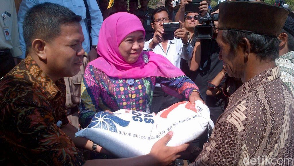 Mensos Traktir Warga Desa Ngrawen Semarang 1,6 Ton Beras Sejahtera