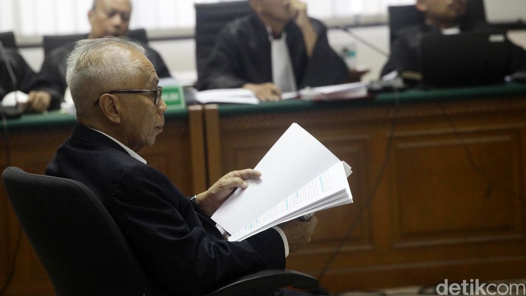 Sidang OC Kaligis Gaduh, Pertanyaan Jaksa KPK Kerap Diprotes