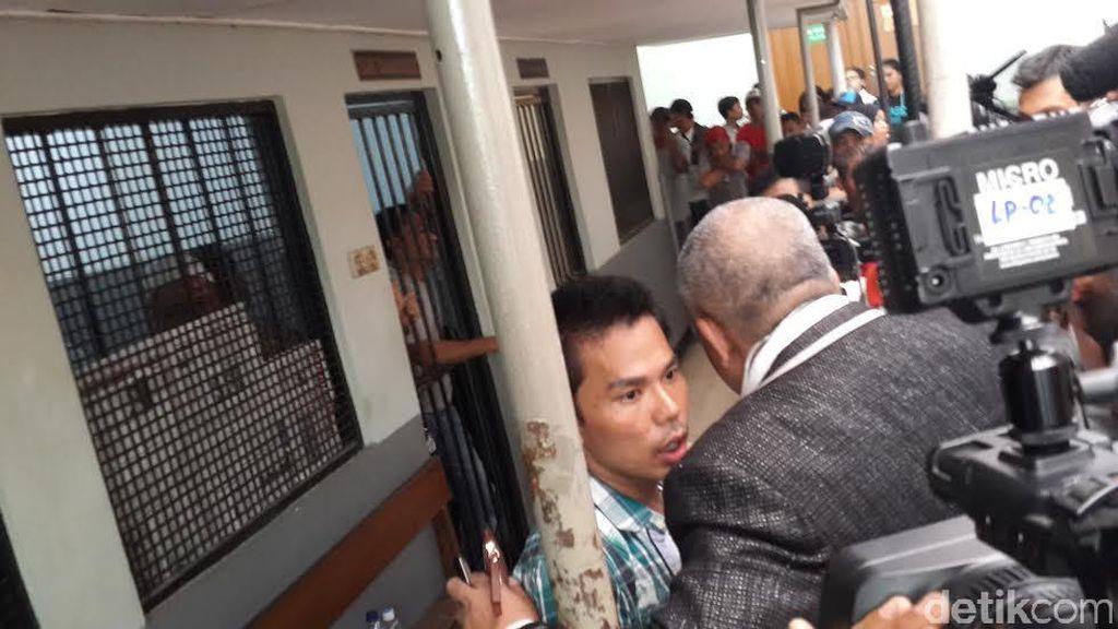 Anggota Dewan Pakai Jasa Artis di Hotel di Thamrin Saat Makan Siang