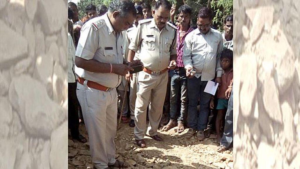 Jatuh ke Lubang Saat Mabuk, Pria India Terkubur Hidup-hidup