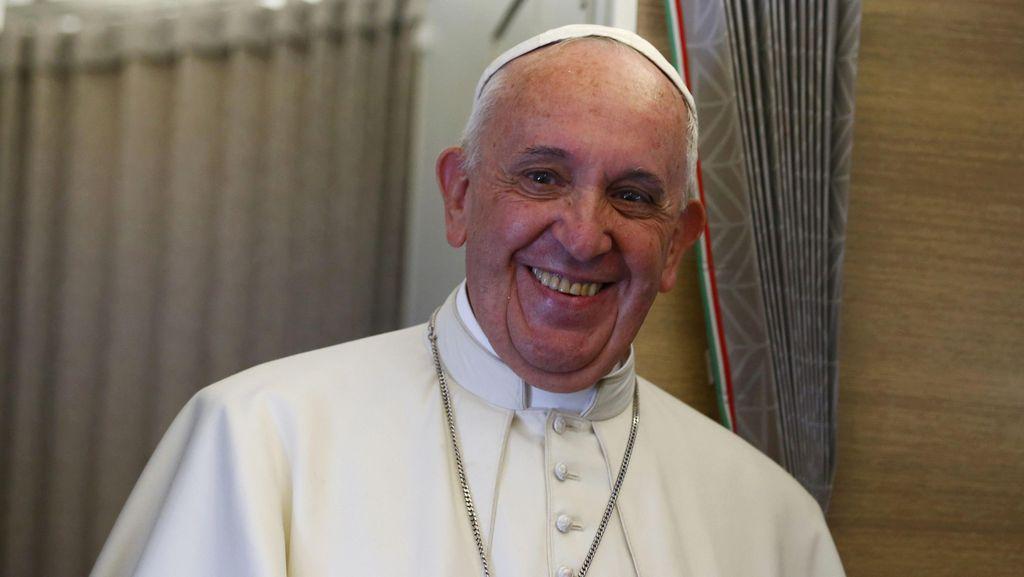 Paus Fransiskus Dikabarkan Idap Tumor Otak, Vatikan Membantah