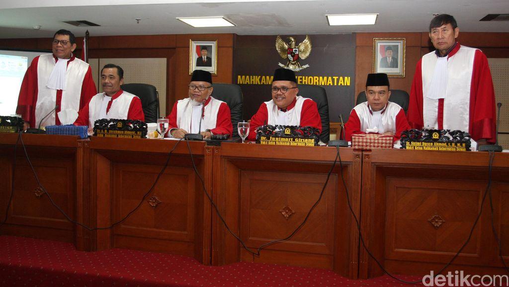MKD Segera Jadwalkan Persidangan Novanto, Siapa Saja Bakal Dipanggil?