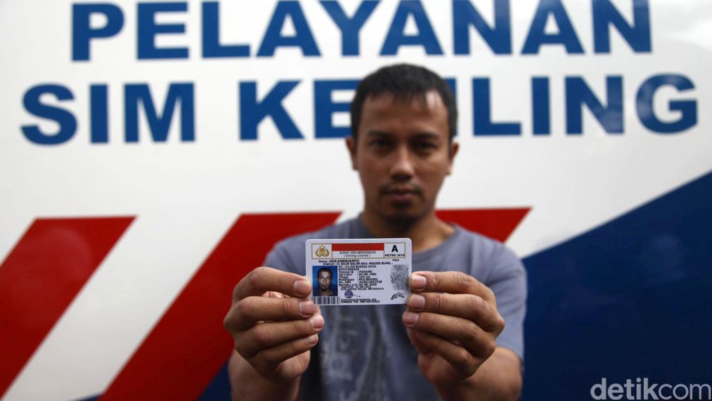 MK Minta Polri Tingkatkan Pelayanan SIM/STNK