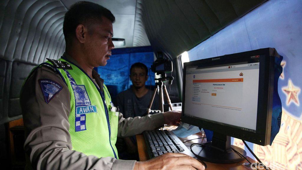 MK Tegaskan Polri Pemegang Otoritas Mengeluarkan SIM dan STNK