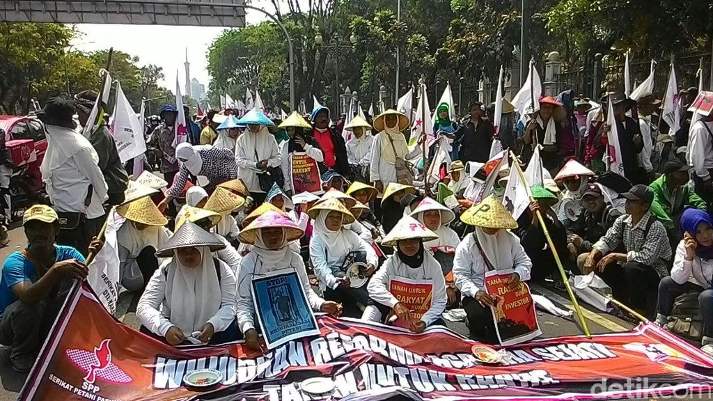 Massa  Petani Demo Istana, Tuntut Reformasi Agraria