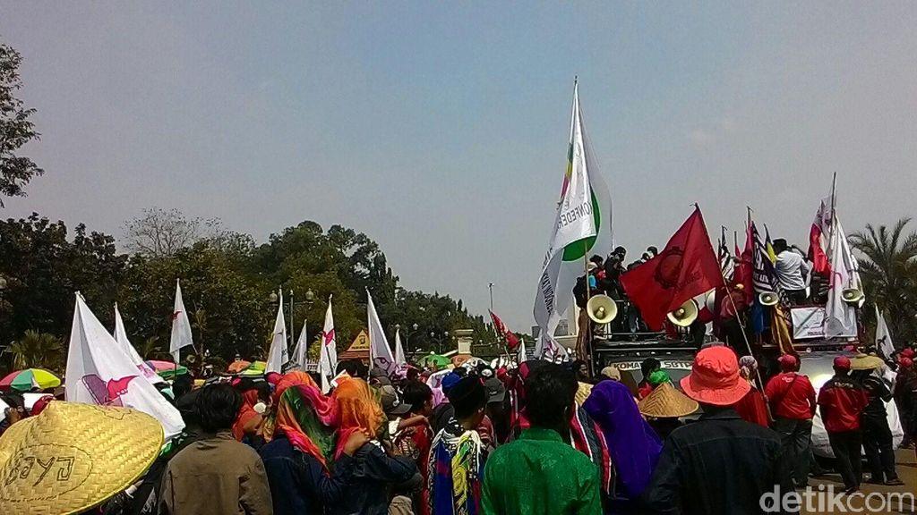 Perwakilan Petani yang Demo Diterima Teten Masduki