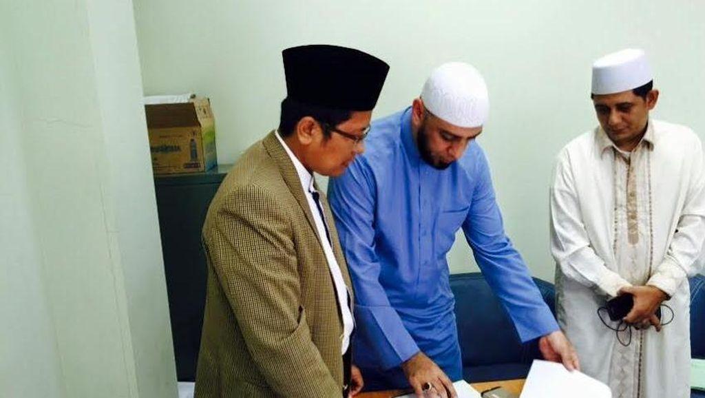 Mengenal Syekh Ali Jaber, Pendakwah dari Madinah