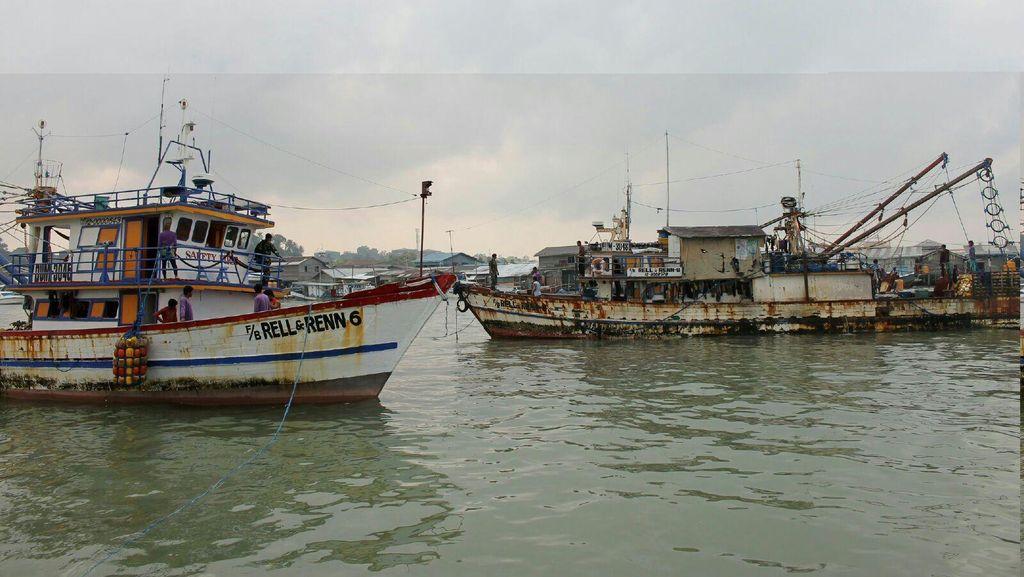 TNI AL Tangkap 4 Kapal Nelayan Ilegal Asal Filipina