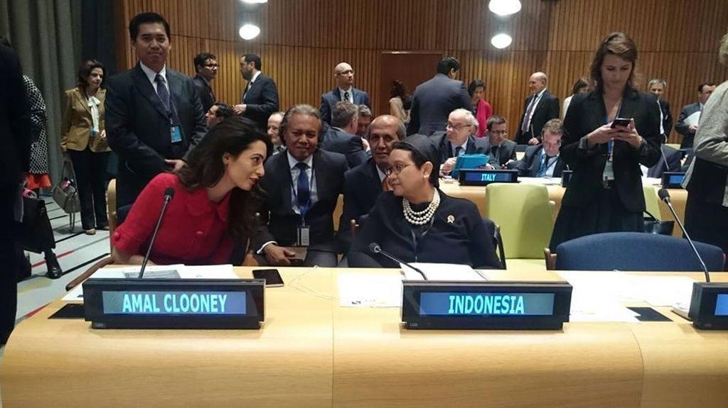 Bertemu Amal Clooney, Menlu Retno Bahas Penggunaan Hak Veto di PBB