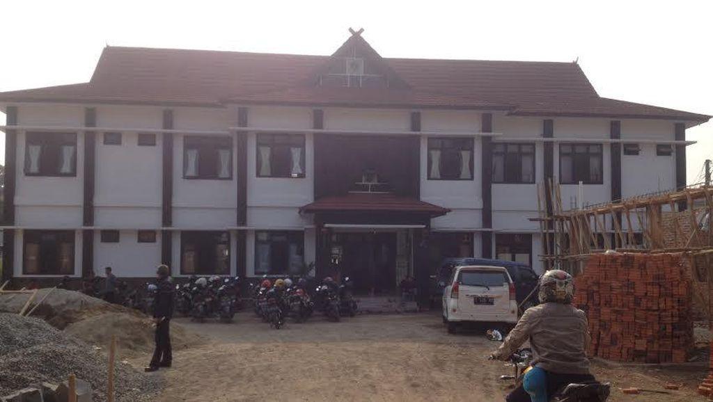 Ada Rumah Bagi Pecandu Rokok di Purwakarta
