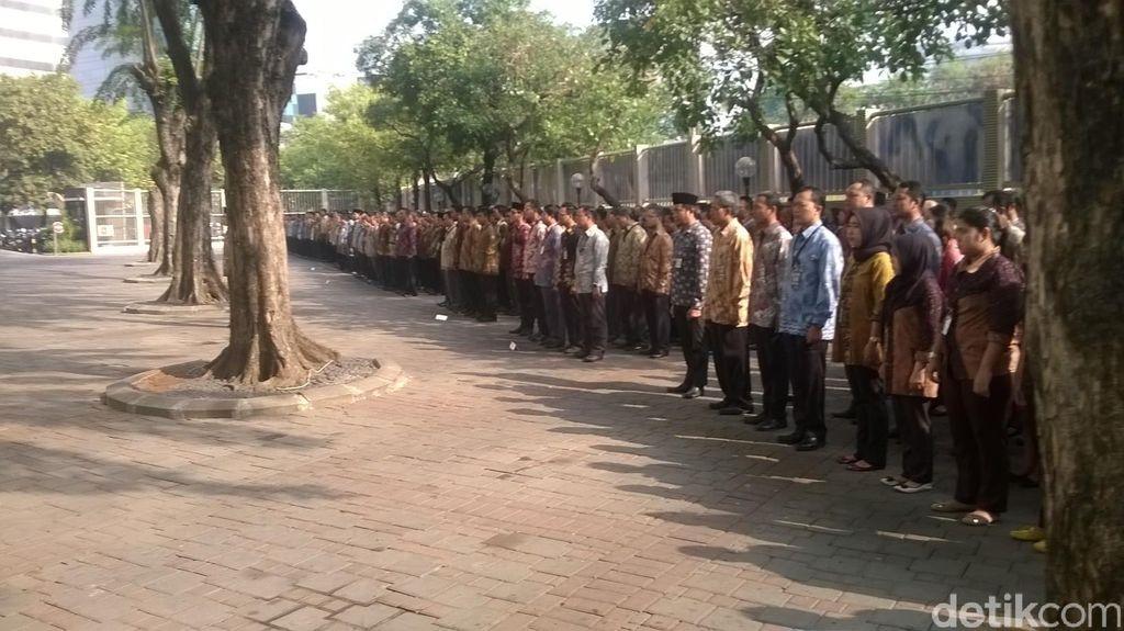 Pimpinan dan Pegawai KPK Adakan Upacara Peringatan Hari Kesaktian Pancasila