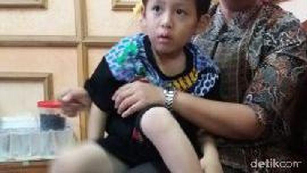 Bocah yang tak Tahu Namanya ini Telantar di Palembang, Ada yang Kenal?