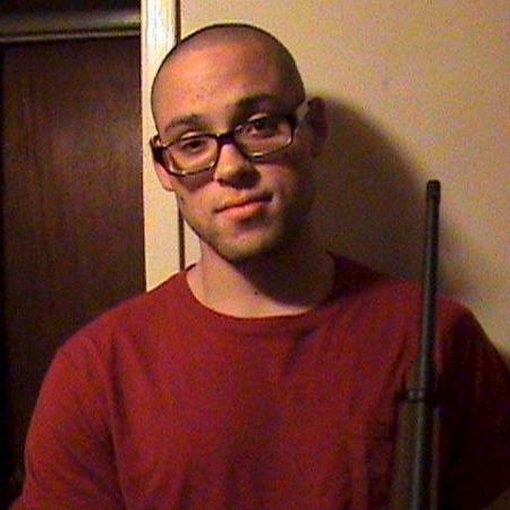 Penembak Brutal di Kampus Oregon Tewas Bunuh Diri Bukan karena Peluru Polisi