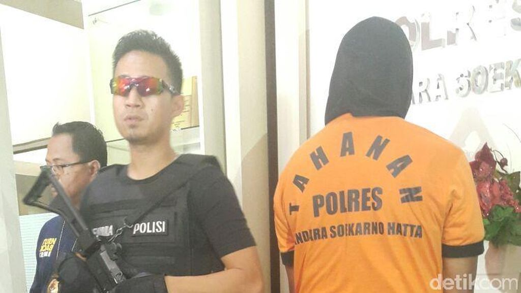 Ngaku TNI, Insinyur ini Ditangkap Karena Tipu Penumpang di Bandara Cengkareng