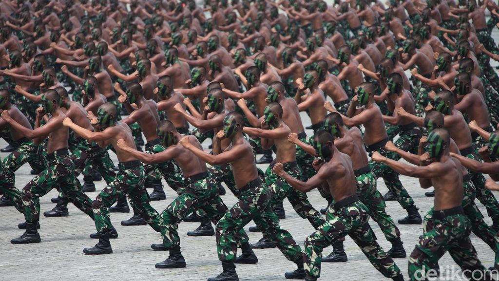 TNI Terus Bantu Pengejaran Penyerang Polsek Sinak
