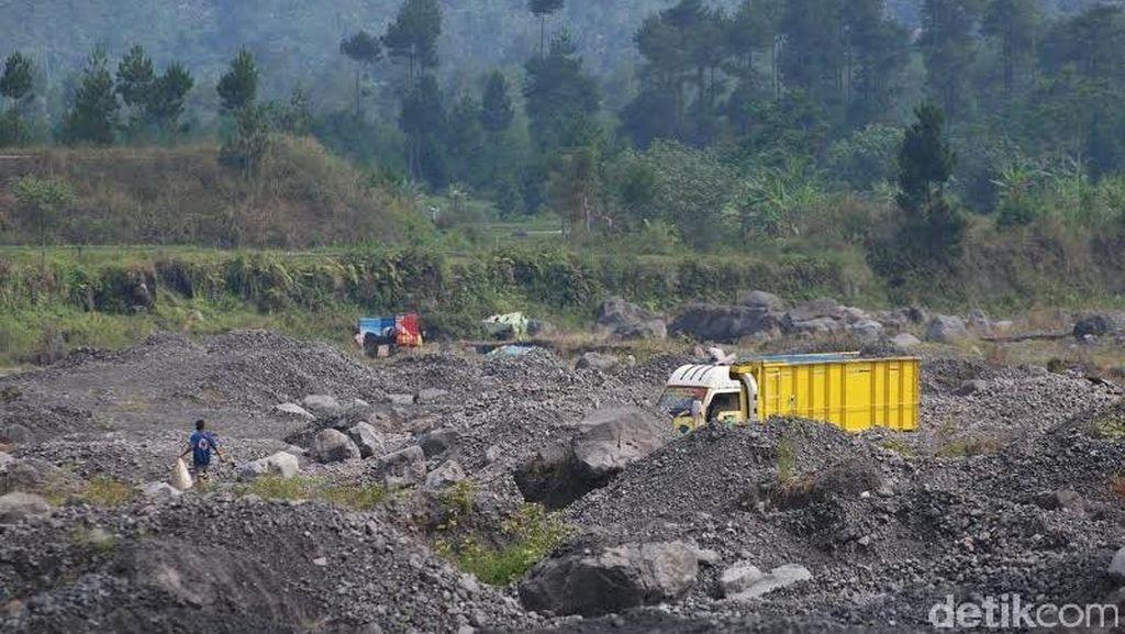 DPRD Lumajang Bantah Terima Jatah Preman dari Perusahaan Tambang