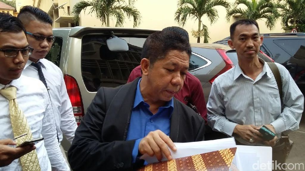 Effendi Gazali Bandingkan Kritik Komisioner KY ke Sarpin dengan Rizal Ramli