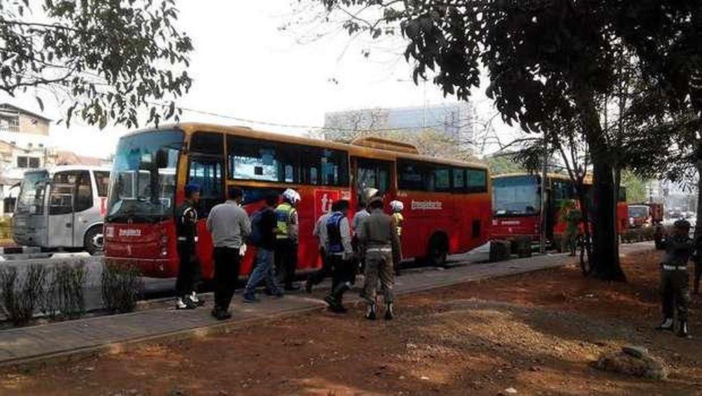 Dirut TransJ Ancam Putus Kontrak Operator Bus yang Parkir Tak Angkut Penumpang