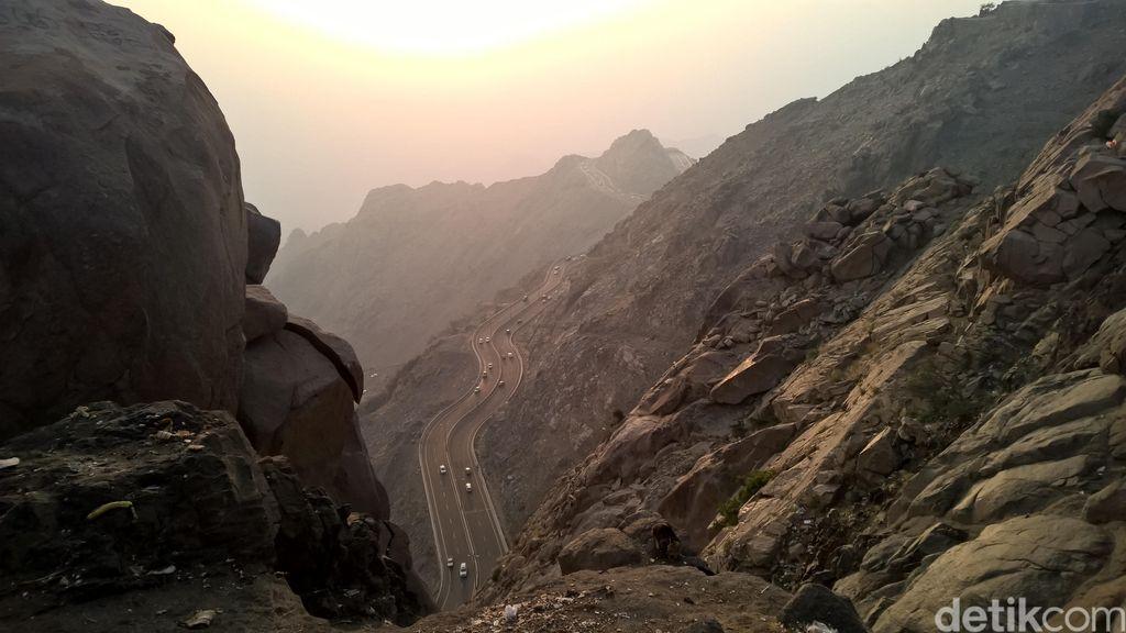 Menengok Alhada, Daerah Pegunungan yang Sejuk di Arab Saudi