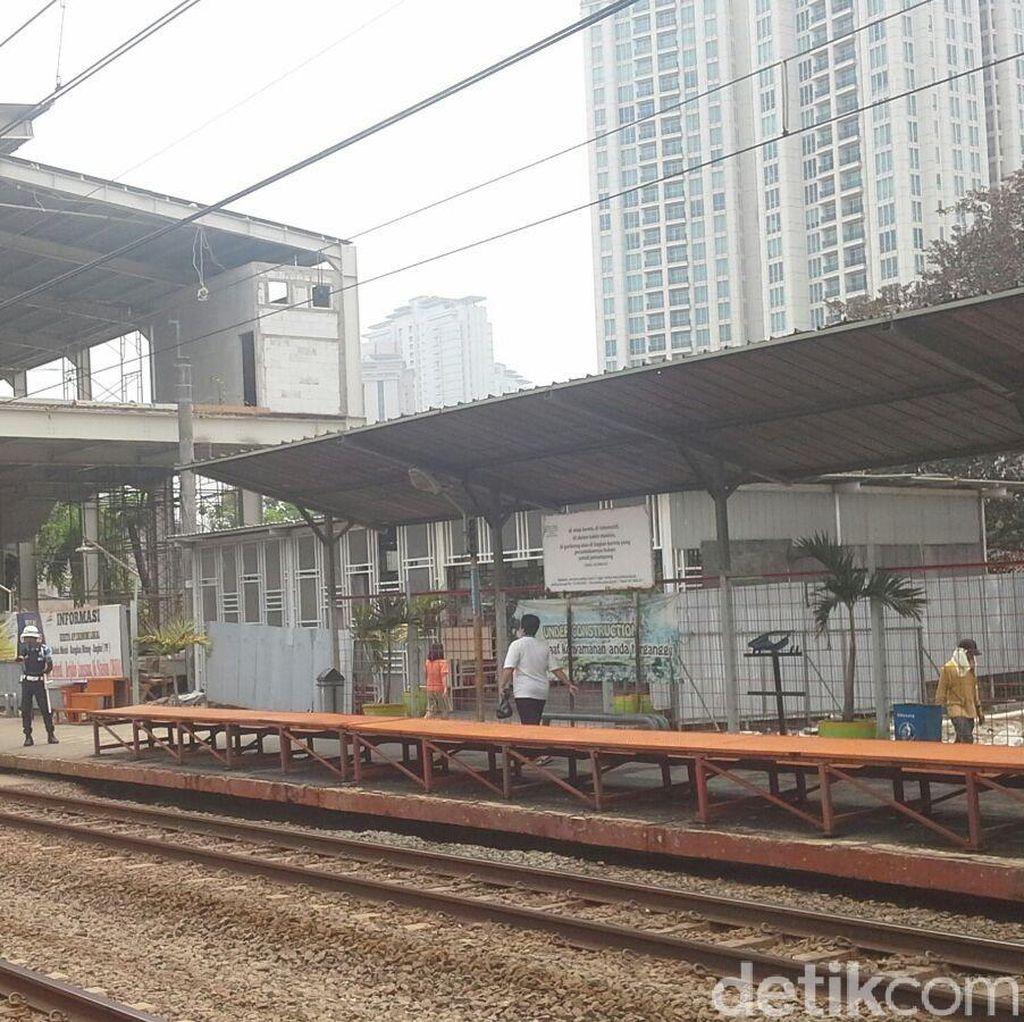 Kondisi Stasiun di Jakarta yang Tak Ramah Pada Penyandang Disabilitas