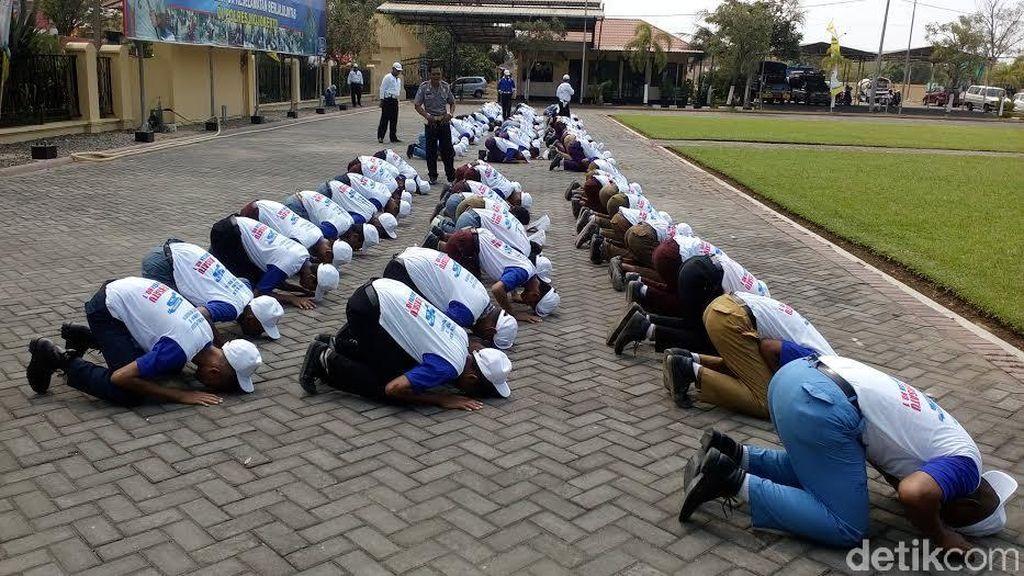 Langgar Lalu Lintas, 100 Pelajar Nakal Dijemur Polisi