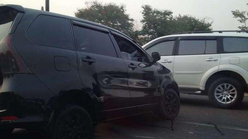 Empat Mobil Terlibat Kecelakaan di Tol Bekasi Timur
