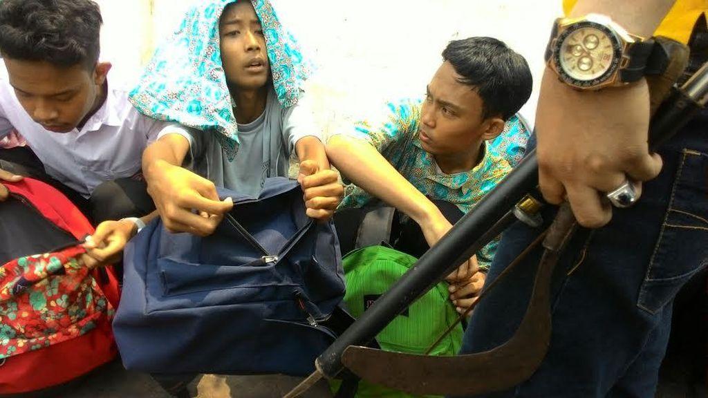 Bajak Bus untuk Tawuran, Puluhan Pelajar SMK Digelandang Ke Polsek Matraman