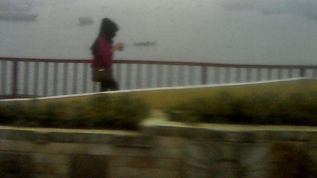 Asap Tebal Kepung Palembang Sore Ini, Samarkan Keindahan Sungai Musi