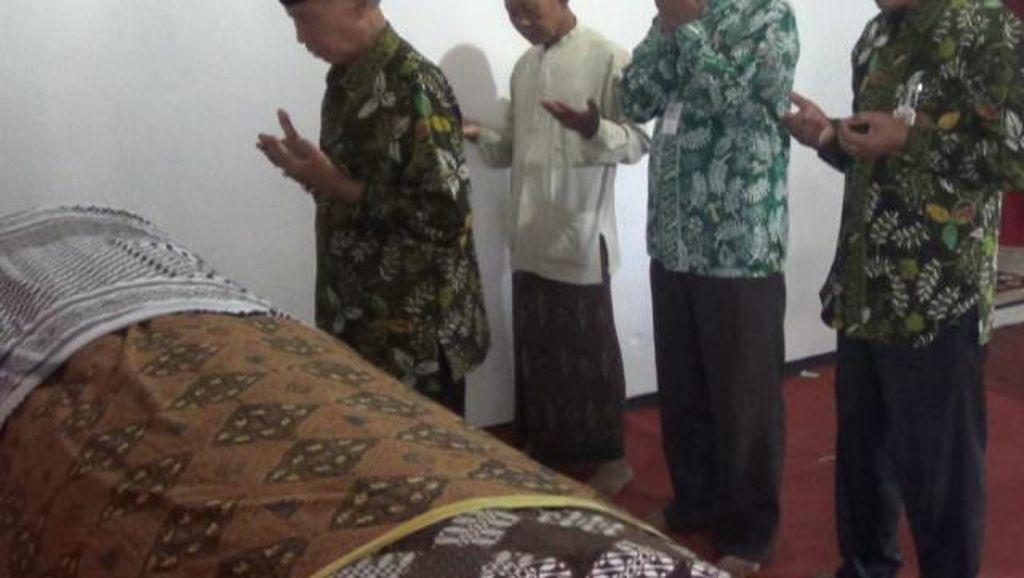 Jemaah Haji asal Sleman Meninggal di Pesawat