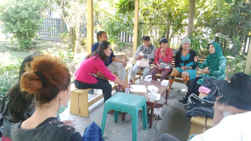 Sosialisasikan Pilkada, KPUD Sleman Datangi Kelompok Waria