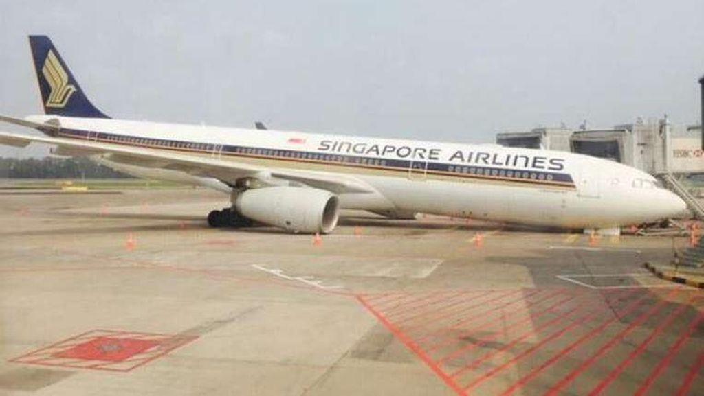 Gir Roda Patah, Pesawat Singapore Airlines Terjerembab di Bandara Changi