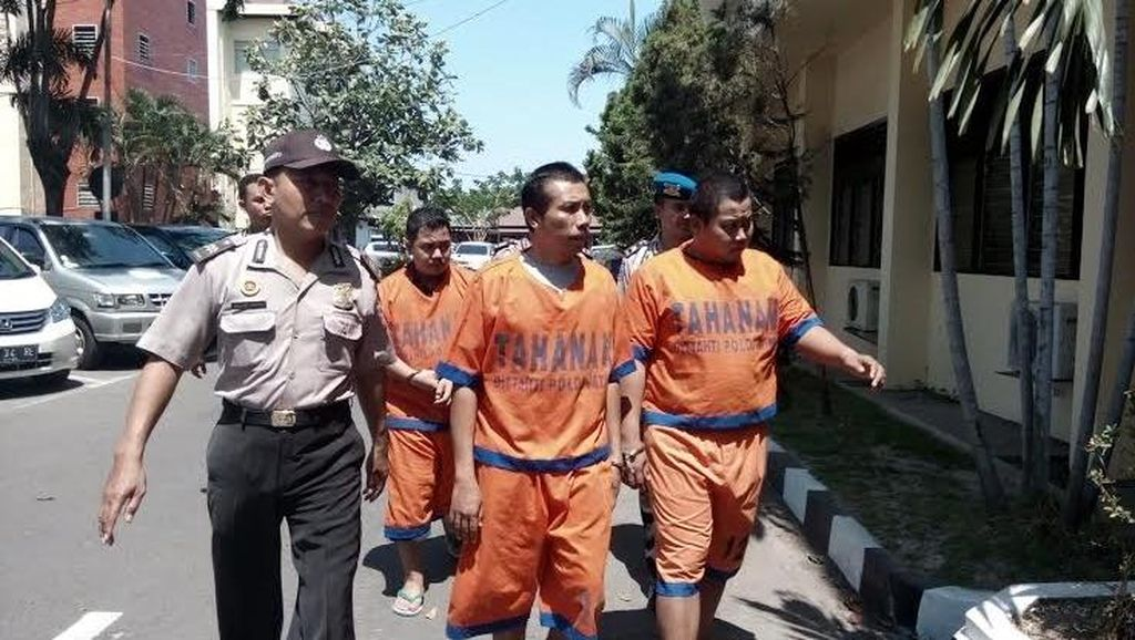 Tetapkan 34 Tersangka, Polisi Kejar 5 DPO Kasus Salim Kancil dan Tosan