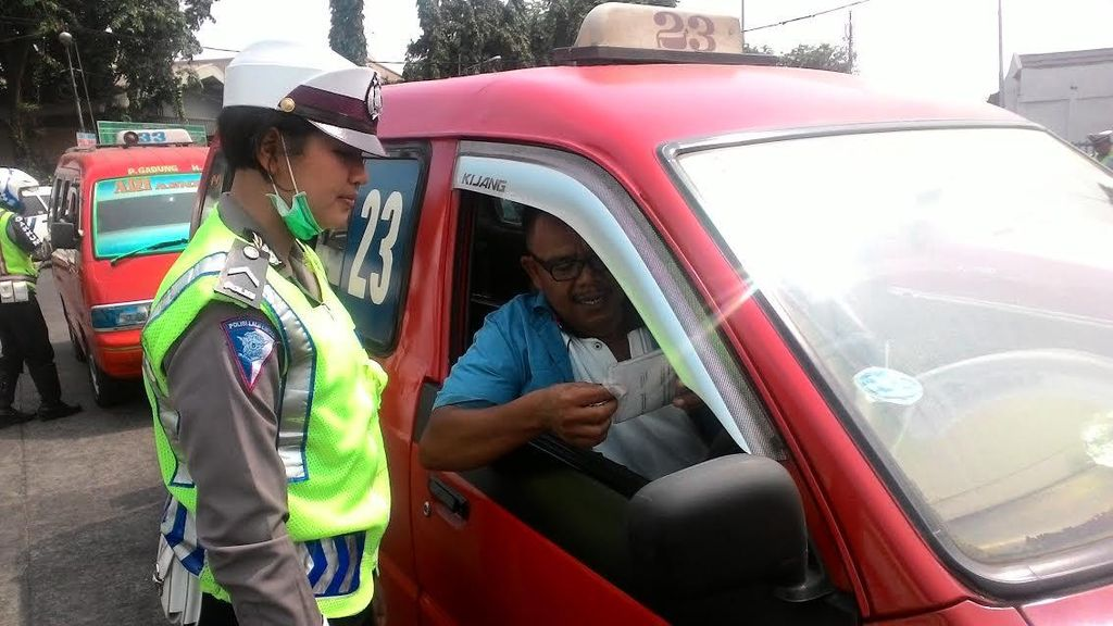 Polisi dan Dishub Razia Metromini Sampai Angkot di Terminal Pulogadung