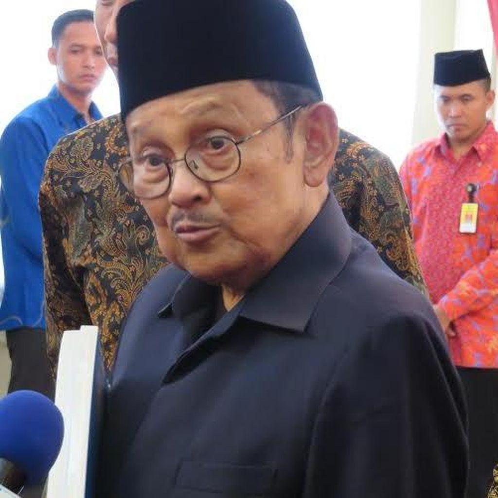 BJ Habibie Ketua Dewan Kehormatan Golkar, Luhut dan Akbar Jadi Wakil Ketua