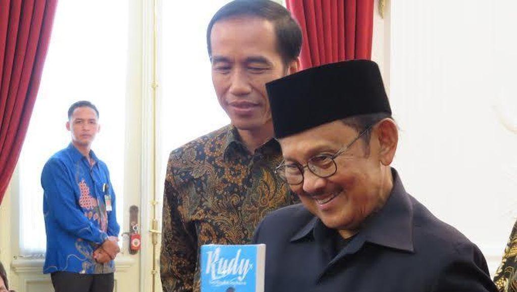 Habibie Temui Jokowi di Istana, Bahas Golkar?