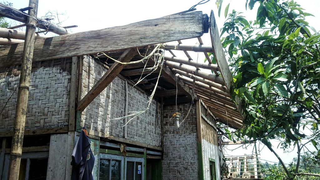 Ngawi Dilanda Puting Beliung, 20 Rumah Roboh