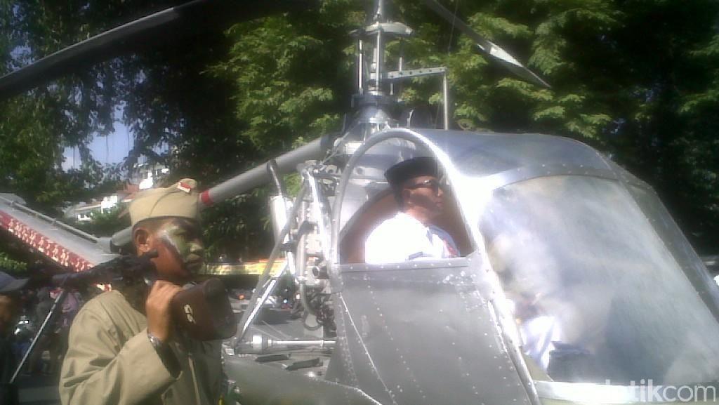 Lewati Jalan Malioboro Yogya, Helikopter Bung Karno Jadi Perhatian Warga