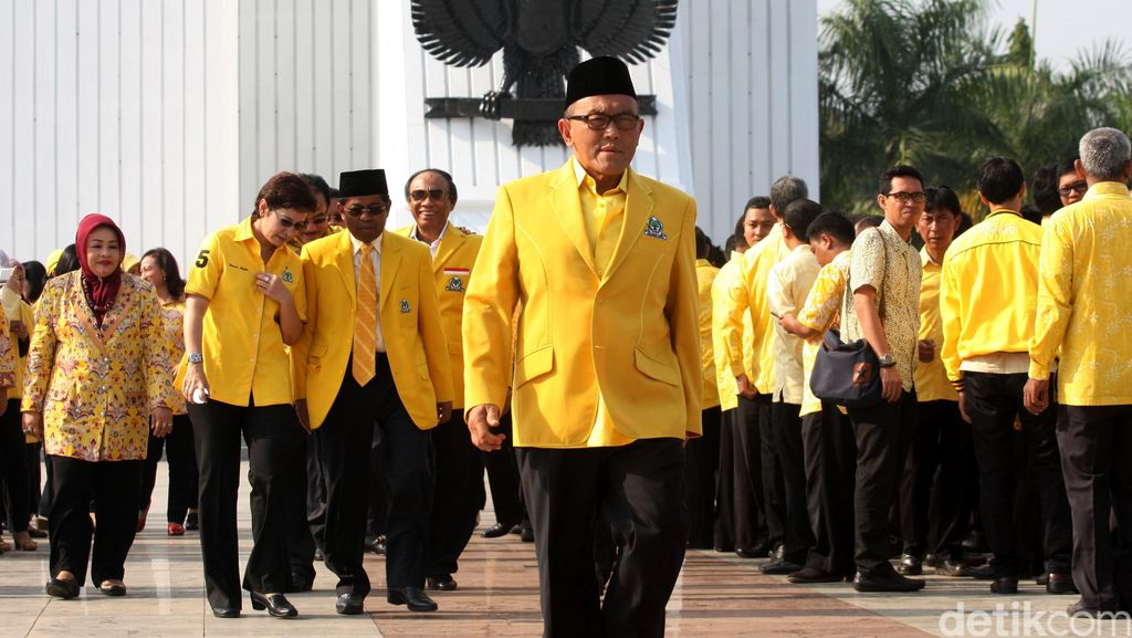 Baru Masuk, Anggota MKD dari Golkar Bermanuver Hambat Sidang Novanto