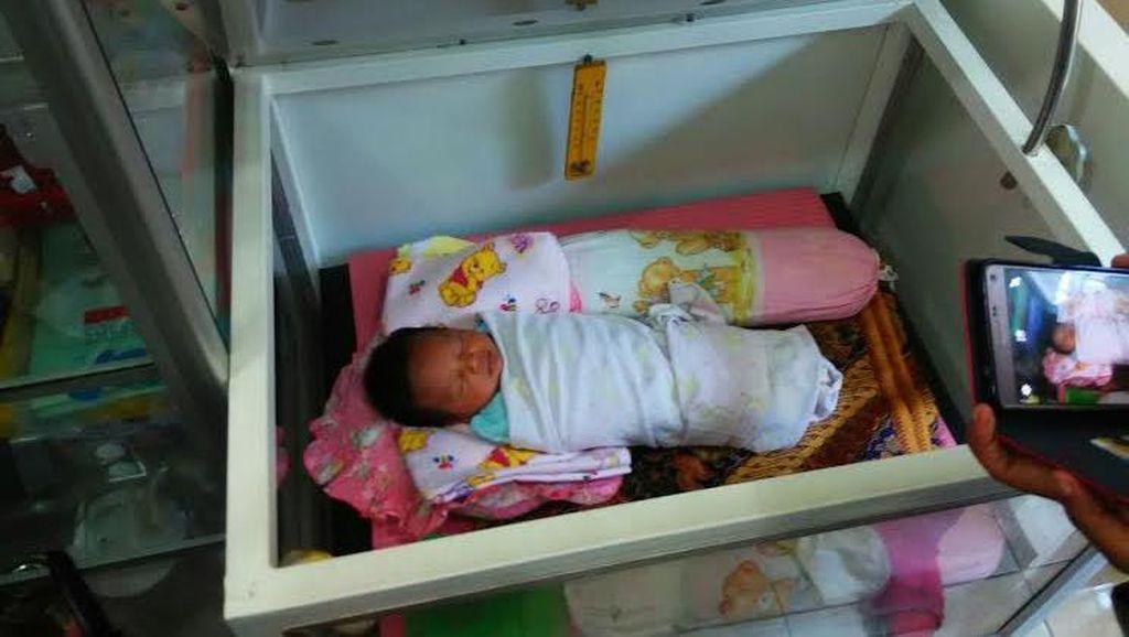Sungguh Malang, Bayi ini Dibuang dalam Kardus di Tangerang