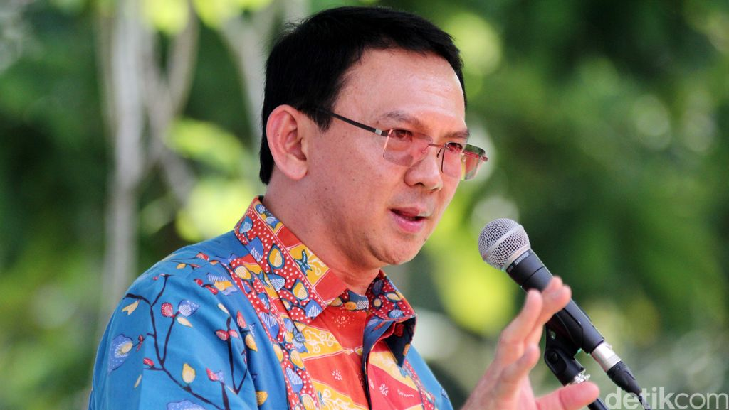 Ahok Batal Copot Kepala Dinas, Ditunda Hingga Akhir Desember