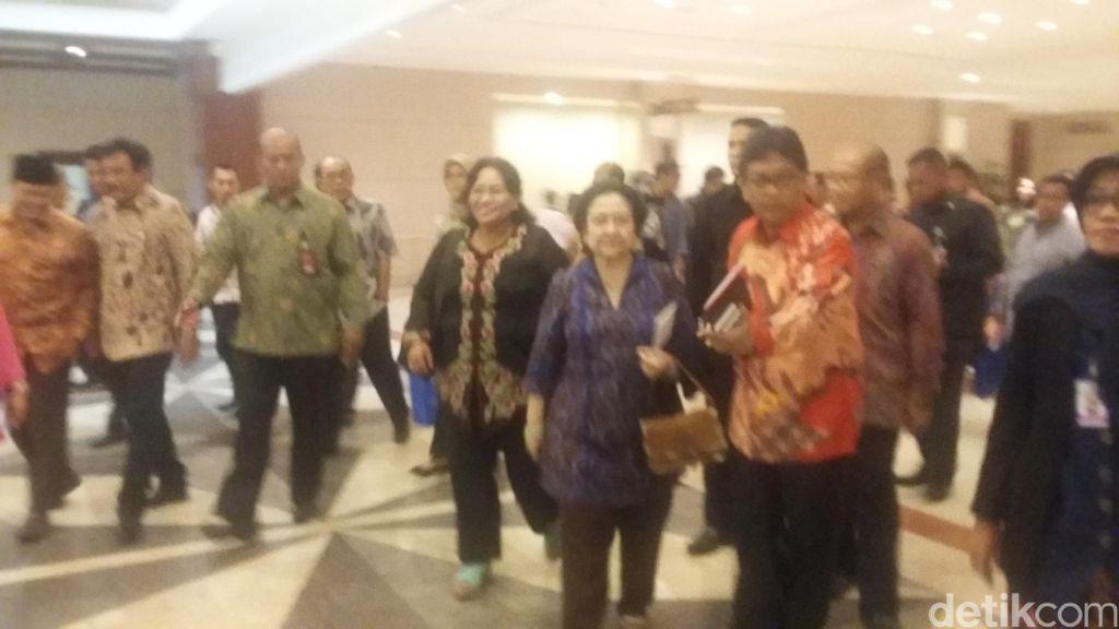 Megawati: Masyarakat Harus Gotong Royong Atasi Kebakaran Hutan
