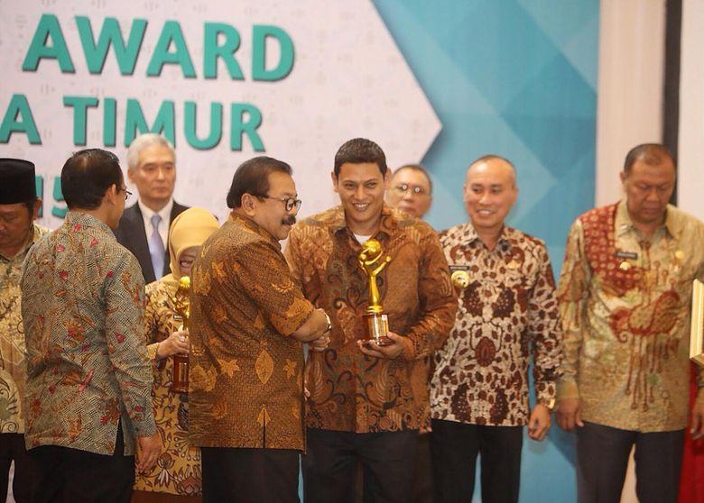 Award Investasi dan Curhat Wali Kota Kediri soal Tukang Gali Kabel